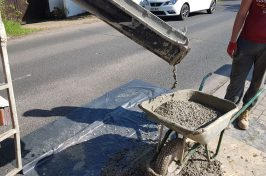 Concrete delivery to wheelbarrow